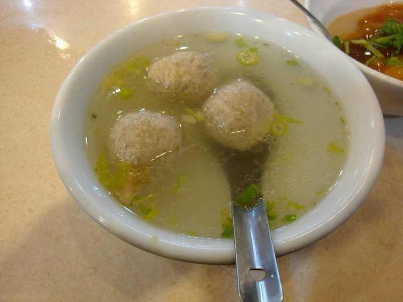 Taiwan Food: Meatballs Soup served in a traditional eatery in Taichung.
