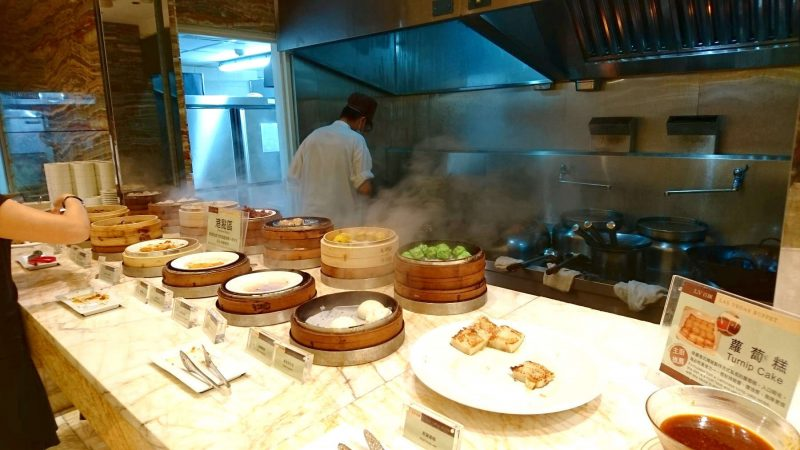 Steaming Dimsums at the LV Buffet, The Lin Hotel